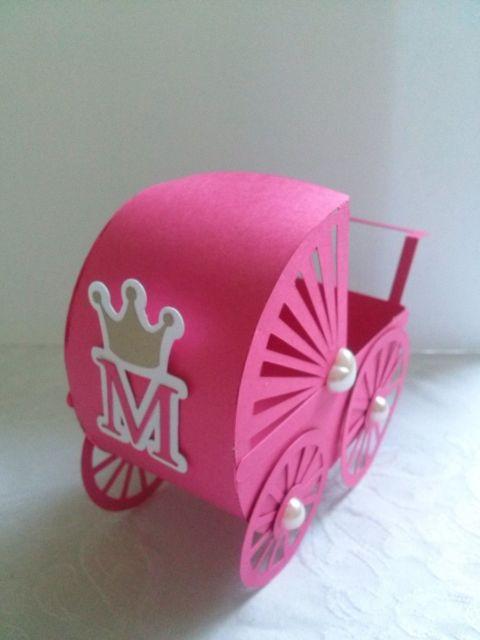carrinho de bebê em EVA vazado