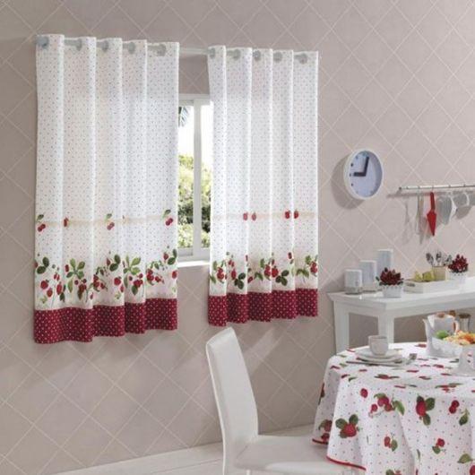 Como fazer cortina: Branca com estampa para cozinha