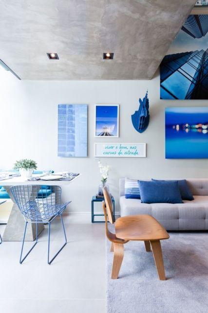sala cinza e azul