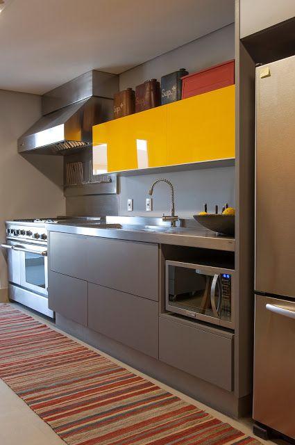 cozinha cinza e amarela