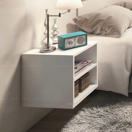 Para uma decoração minimalista, o criado mudo branco é uma ótima opção
