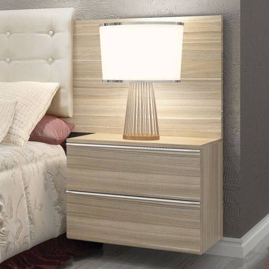 Muitos modelos planejados são acoplados diretamente à cabeceira da cama