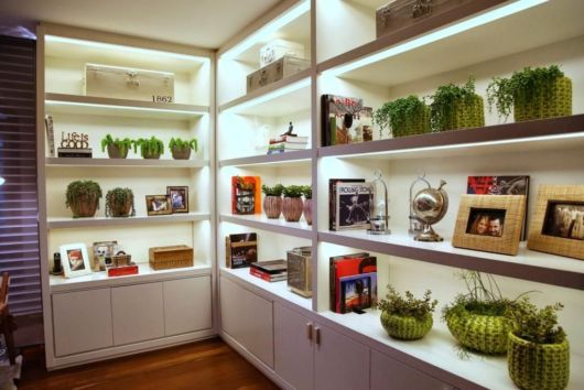 enfeites para estante vasos com plantas fakes