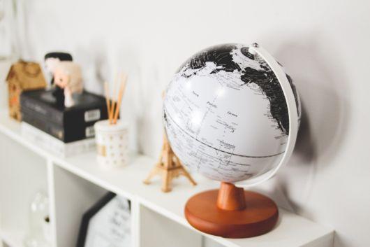 enfeites para estante globo da terra