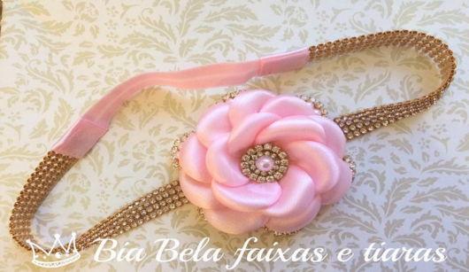 Flor de cetim: Boleada rosa claro