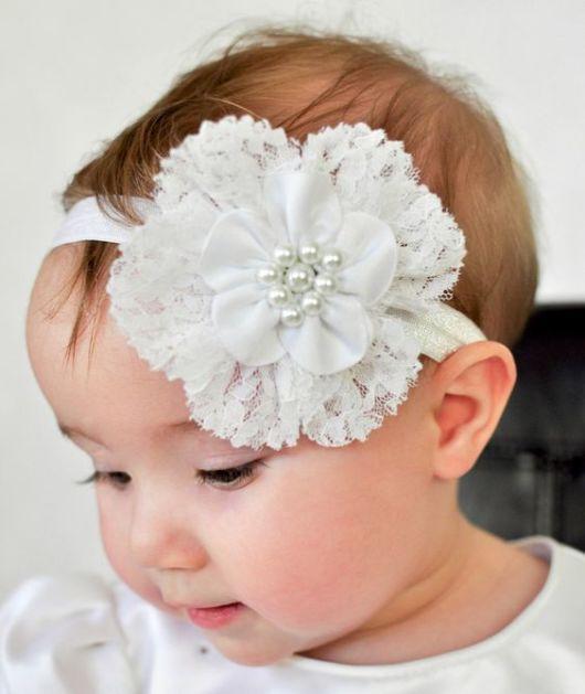 Flor de cetim: Tiara branca