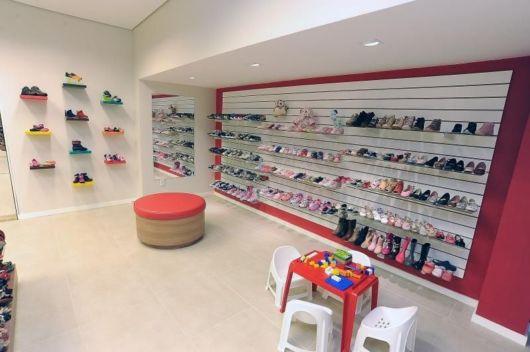 Loja de calçados infantis moderna