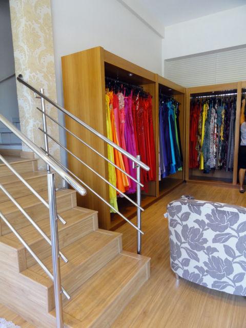 Inspiração de decor para lojas de roupas feminas