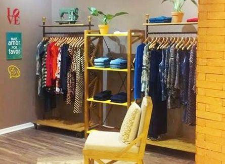 Dica de loja com decoração amarela moderna