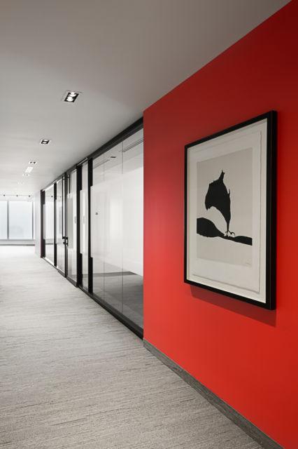 Você pode instalar os quadros nos corredores também