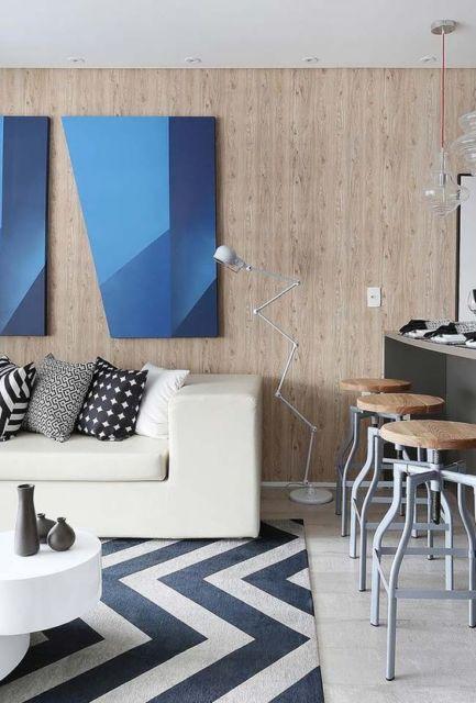 sala decorada com quadro moderno