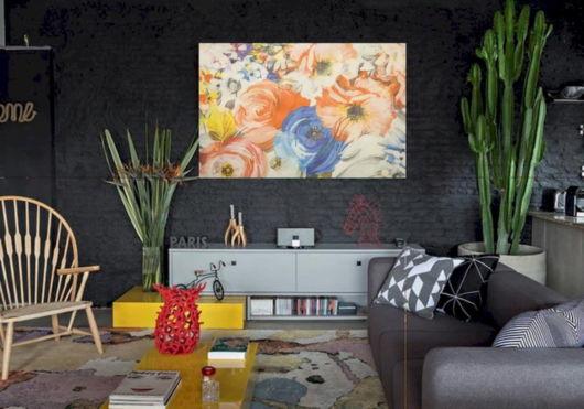 decoração com parede preta