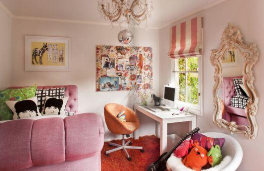 Um belo exemplo de quarto feminino retrô para todos os gostos