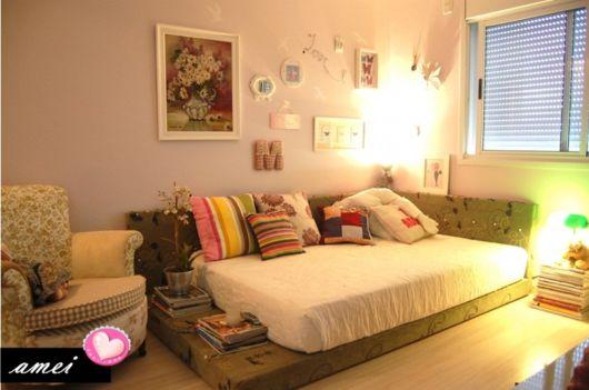 Quadros ajudam a decorar e dar forma aos quartos modernos