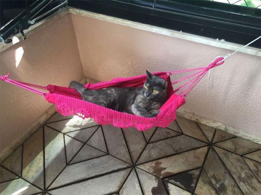 rede para gatos rosa de crochê