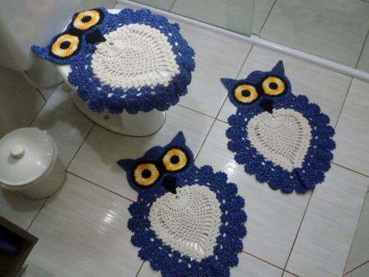 tapete coruja azul.