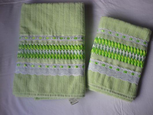 Dica de toalhas verdes bordadas com fitas