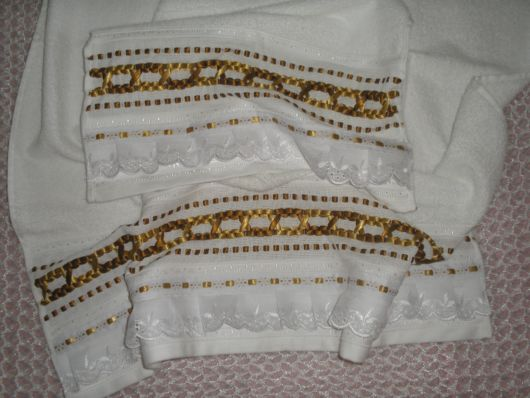 Conjunto de toalhas de rosto + banho bordadas