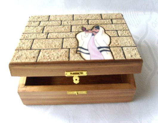 Decore a tampa da caixa de madeira