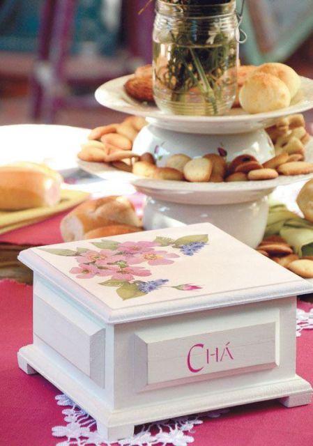 Caixa de chá decorada para sua sala de jantar