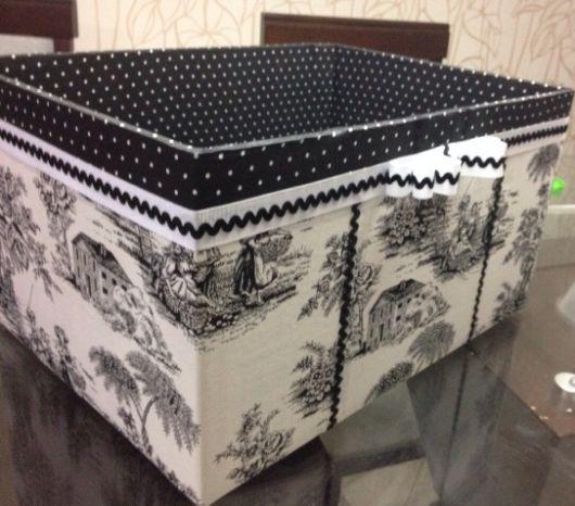 Olha só que caixa organizadora linda de papelão