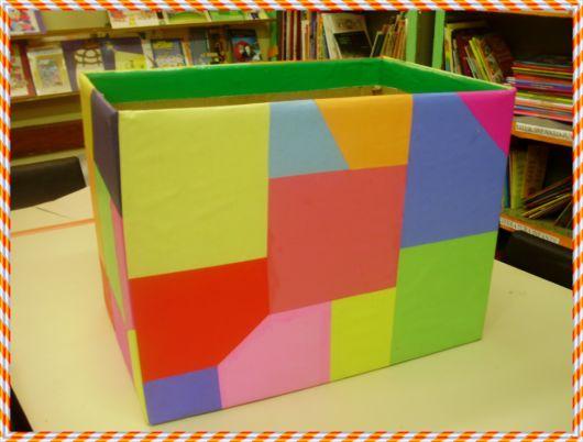 Dica de caixa decorativa de papelão com colagens