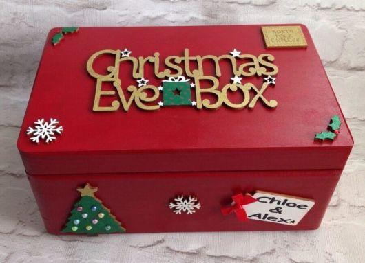Que tal então uma caixa de madeira decorada para o Natal?