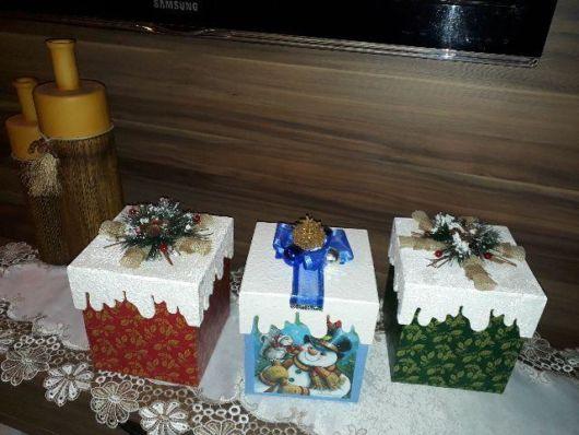Decore sua sala para o Natal com caixas decoradas