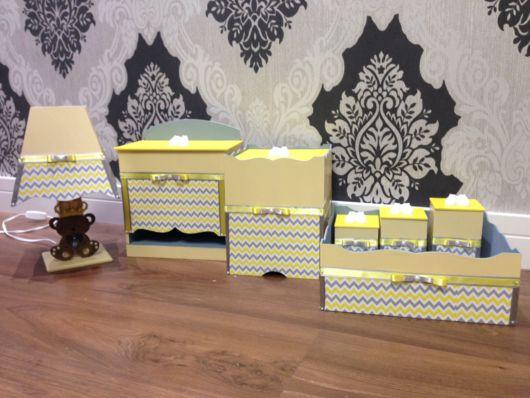 Caixas de MDF decoradas para organizar quarto de bebê