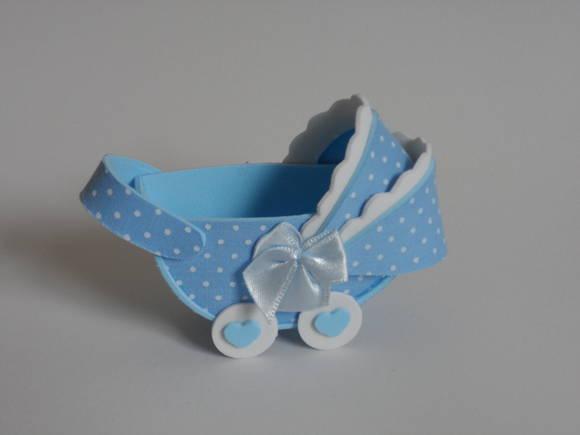 carrinho de bebê em EVA com roda de coração