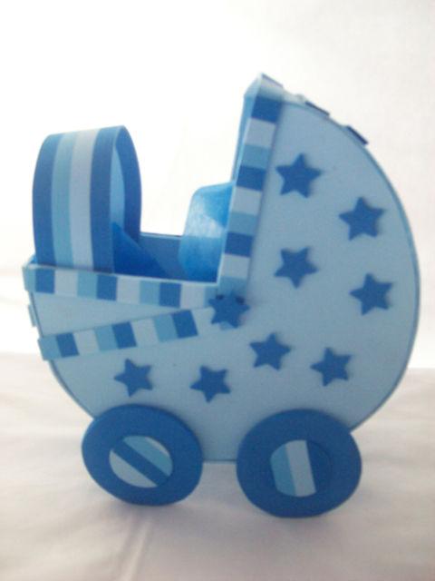 carrinho de bebê em EVA com estrela