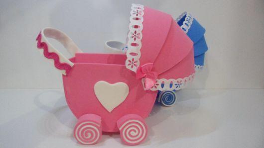 carrinho de bebê em EVA detalhado
