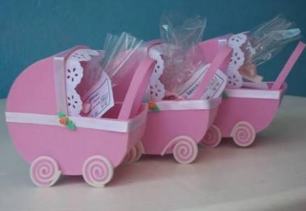 carrinho de bebê em EVA rosa simples