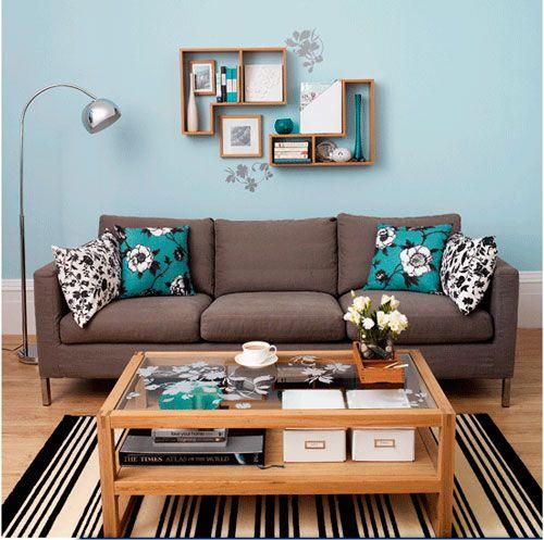 A parede pode combinar com outros elementos têxteis, como almofadas, por exemplo
