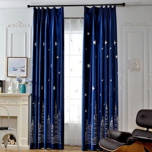 Dica de cortina estampada azul marinho
