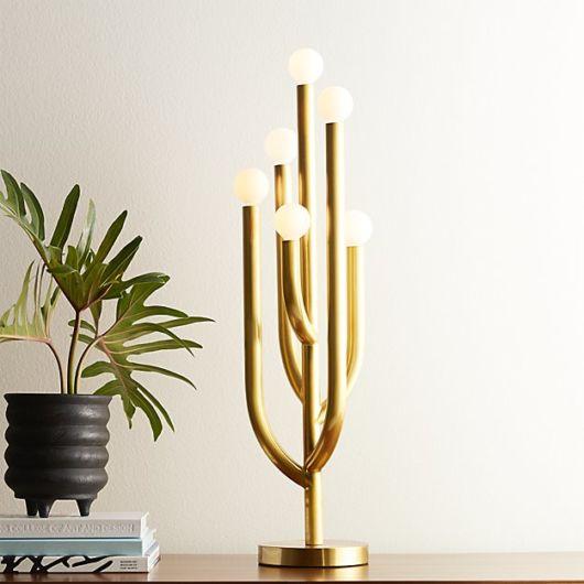 Luminária moderna em referência ao cacto