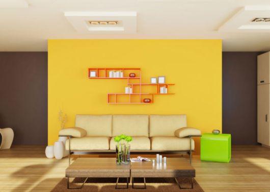 paredes em amarelo e marrom