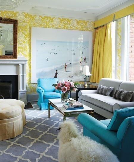 Quer uma sala clássica, mas com toque de cor? Veja então uma dica incrível!