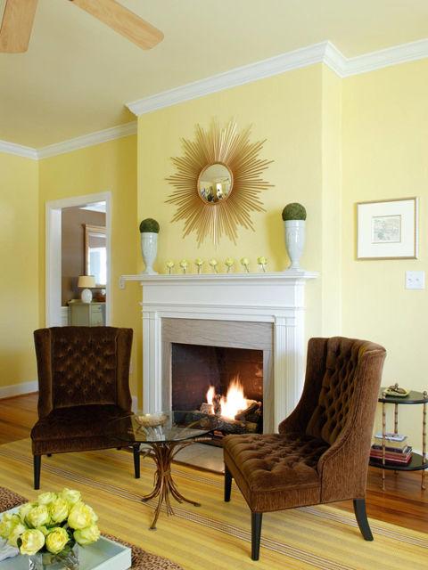 Deixe a sala mais aconchegante com amarelo e marrom