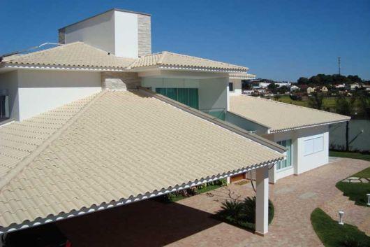 As telhas esmaltadas podem sofisticar o projeto