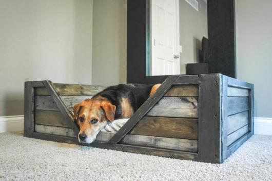 Caminha de cachorro de madeira rústica