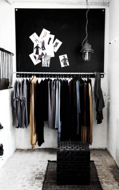 Você pode usar um espaço específico de seu quarto para montar seu closet aberto