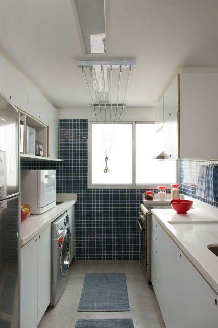 Um especialista pode planejar sua cozinha junto à lavanderia de modo estratégico