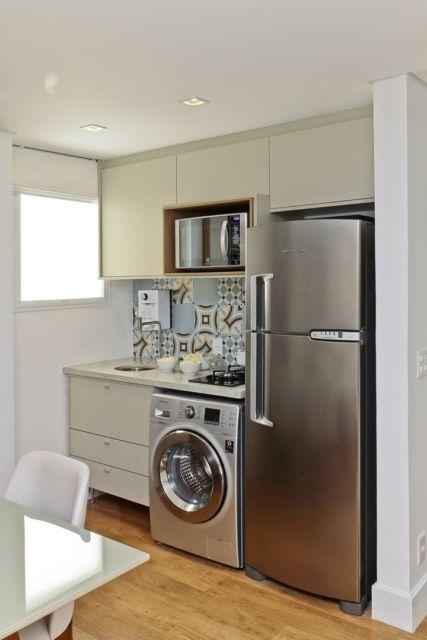 A máquina de lavar no mesmo padrão, combinando com a geladeira