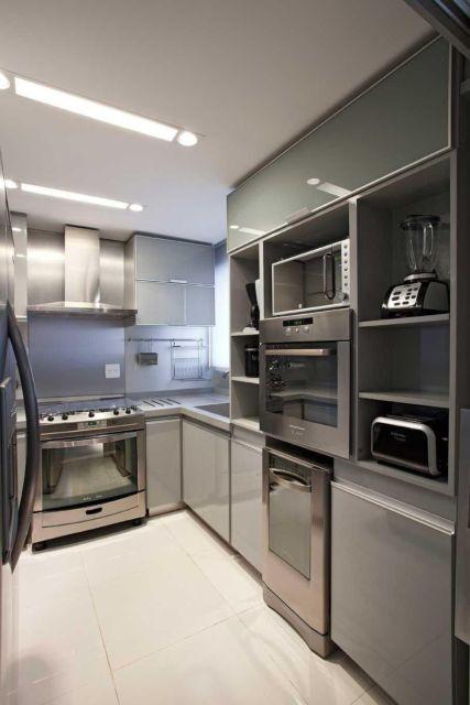 Esse padrão super moderno é muito comum em apartamentos planejados e sofisticados