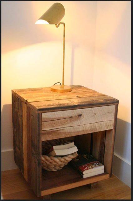 Modelo quadrado com uma gaveta, prático e básico