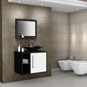 Banheiros pequenos também pedem um toque de sofisticação