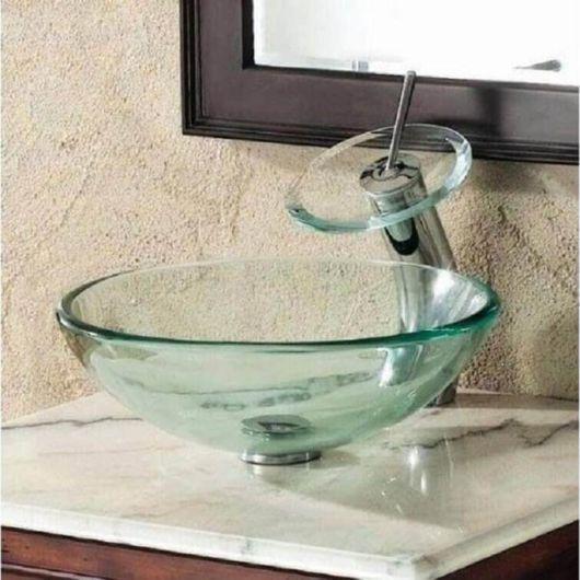 Cuba para banheiro pequeno de vidro, bem diferente do convencional