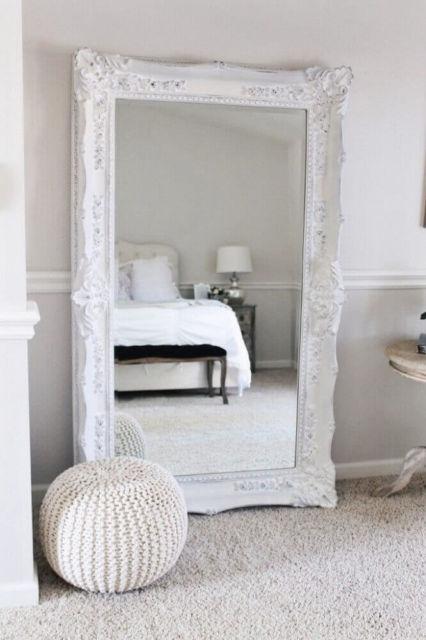 Essa moldura rústica é ideal para dar um plus na decoração do seu quarto