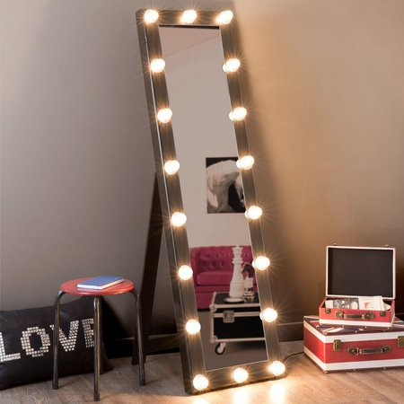 Esse modelo de espelho com luzes também é bastante popular